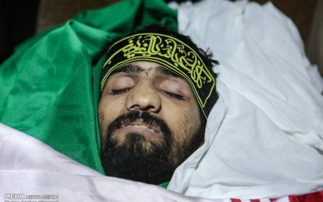 تصویر از مراسم تشییع عمار بهمنی شهید مدافع حرم+ وصیتنامه