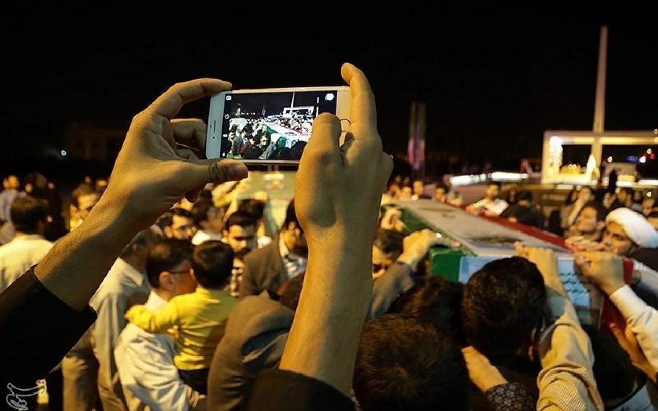 تصویر از اشک دلدادگی مازنیها در فراق مدافعان حرم/یک پیکر از ۱۳ پیکر کبوتران خونینبال به طبرستان بازگشت