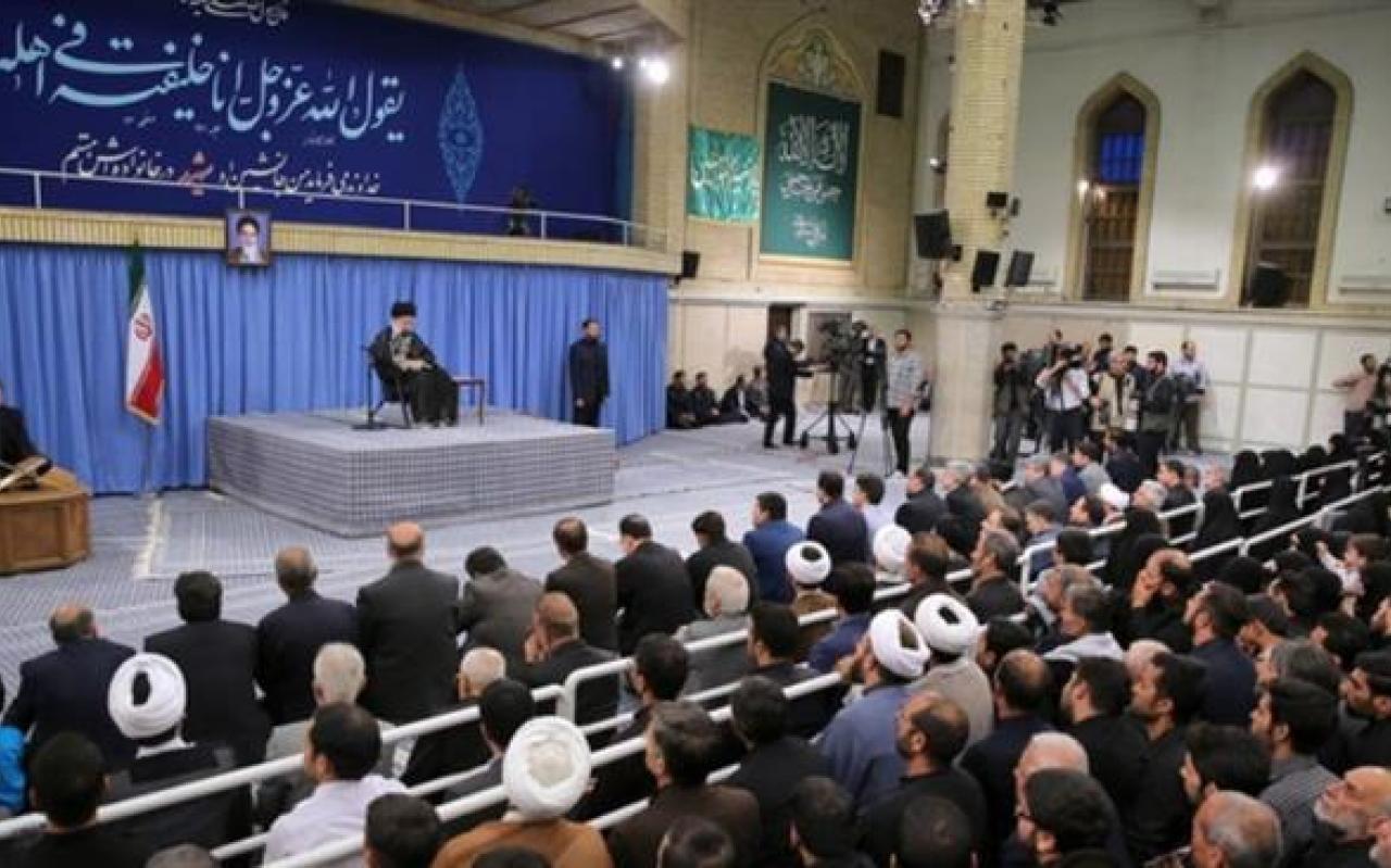تصویر از دیدار مقام معظم رهبری با خانوادههای شهدا