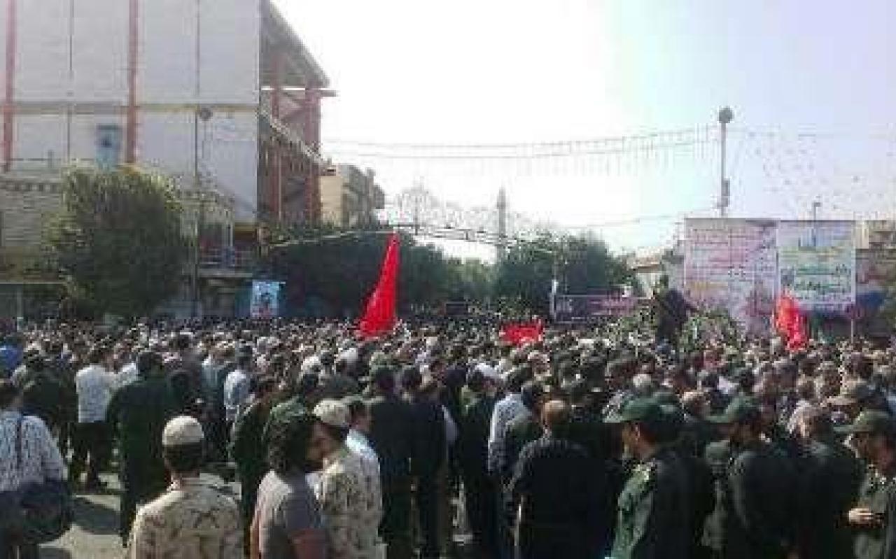 تصویر از پیکر مطهر شهید احمد غلامی در شهرری تشییع شد