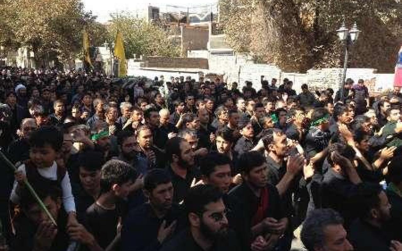تصویر از پیکر شهید مدافع حرم در ورامین تشییع و به خاک سپرده شد