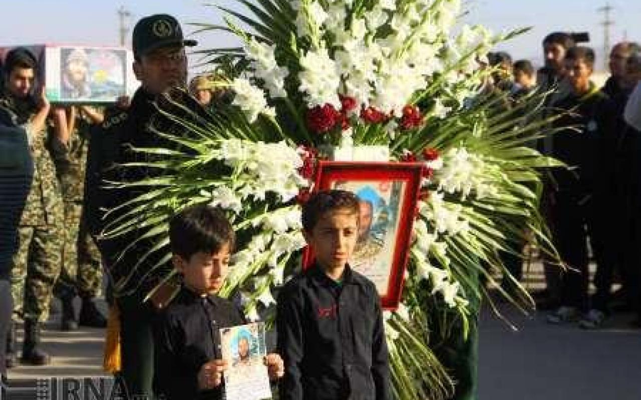 تصویر از پیکر مطهر شهید مدافع حرم در همدان تشییع شد