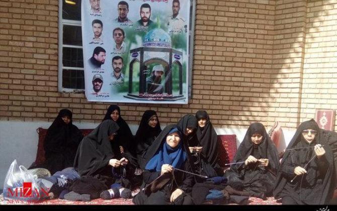 تصویر از کلاه میبافم برای برادر مدافع حرم+تصاویر