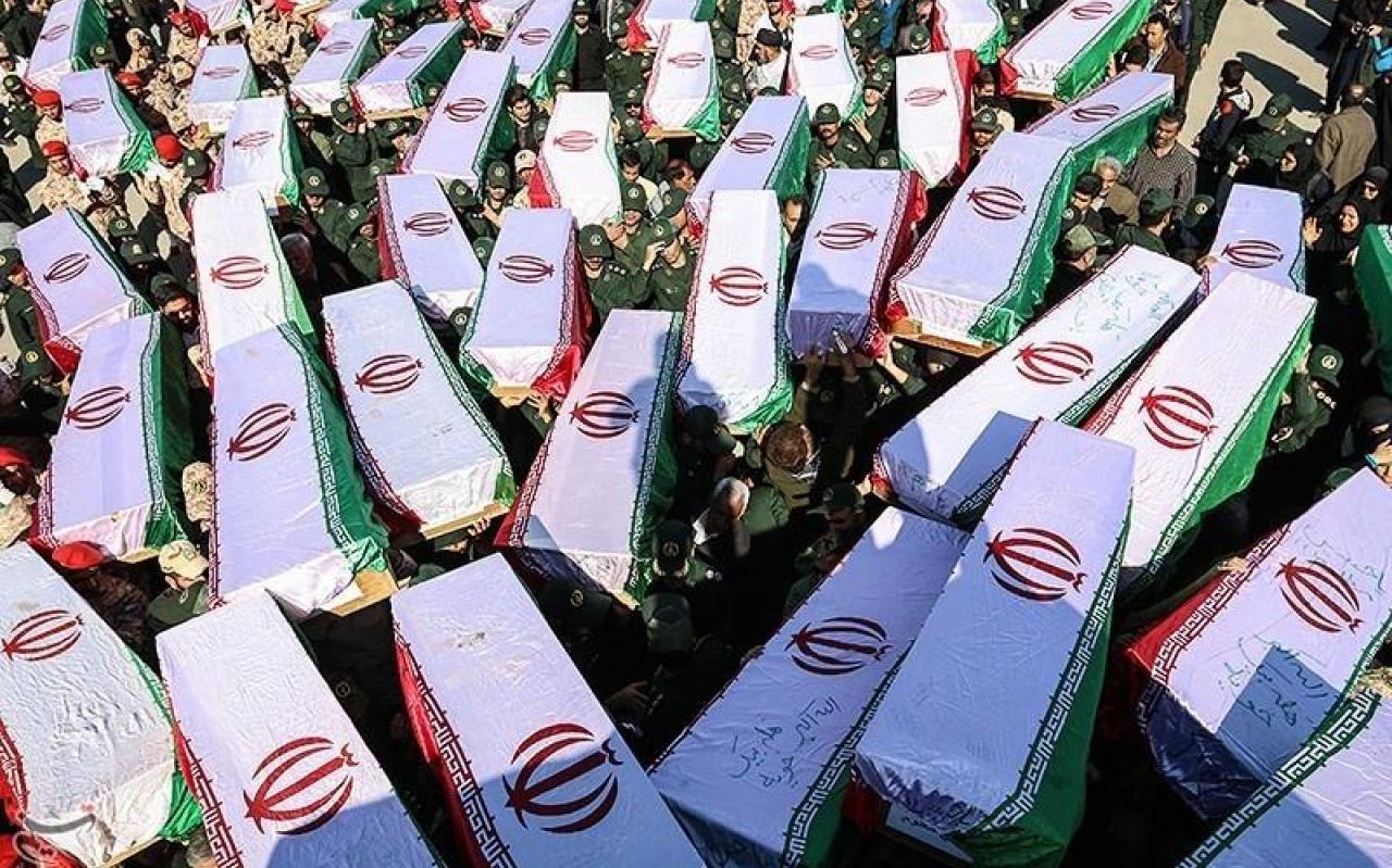 تصویر از پیکر مطهر ۹۸ شهید تازه تفحص شده در هفتگل تشییع شد
