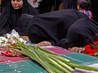 تصویر از تشییع پیکر پاک شهید مدافع حرم در آمل