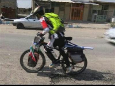 تصویر از شهرستان دلگان میزبان دوچرخه سوار ایرانگرد حامل پیام شهدای مدافع حرم+ تصاویر