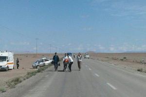 تصویر از تصادف نفتکش با وانت پیکان منجر به فوت هر دو راننده شد