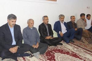 تصویر از خانواده شهید فرهنگی در دشتی تجلیل شد