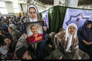 تصویر از خانواده شهدای منا استان گلستان به حج تمتع اعزام میشوند