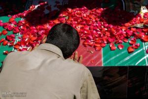 تصویر از تجلیل از خانواده شهیدان تقی دده بیگی و سعید رضا نور