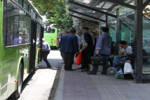 تصویر از خدمات رایگان حمل و نقل به نمازگزاران جنوب تهران ارائه می شود