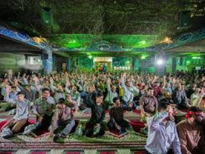 تصویر از عکس/ همایش شبی با شهدا و مدافعان حرم در مسجد جامع شهریار