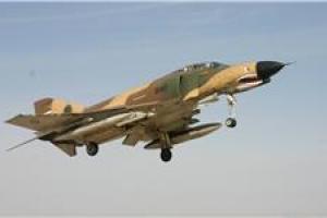 تصویر از نمایش هوایی فانتومهای بوشهر در حضور فرمانده کل ارتش