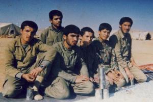 تصویر از نگذارید پشت امام خمینی(ره) خالی بماند