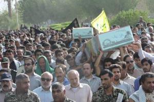 تصویر از حضور حماسی مردم آسمینون منوجان(نودژ) در مراسم تشییع و تدفین شهدای گمنام/تصاویر