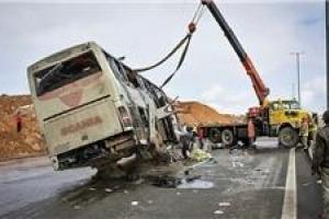 تصویر از تصادف اتوبوس با ۸ خودرو در بزرگراه یاسینی