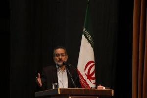 تصویر از بمباران فرهنگی استکبار برای استحاله نظام و انقلاب اسلامی است