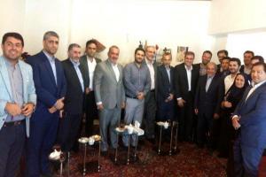 تصویر از دیدار مسئولان استانداری با خانواده شهید والامقام علی اعظم مقصودی