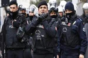تصویر از بازداشت ۱۰ مظنون ارتباط با داعش در بینگل ترکیه