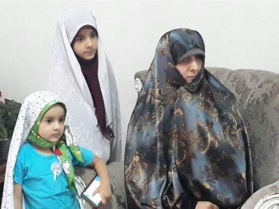 تصویر از همسر شهید مدافع حرم: مردم قدر امنیت و آزادی موجود در کشور را بیشتر بدانند + عکس