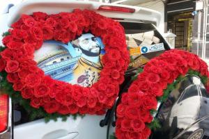 تصویر از ماشین عروسی که به یاد شهید «محسن حججی» تزیین شد