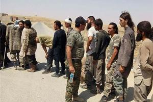 تصویر از ۳۵۰ داعشی خود را تسلیم پیشمرگه کردند+تصاویر