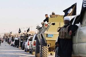 تصویر از فرار عناصر داعش از محورهای عملیاتی دیرالزور