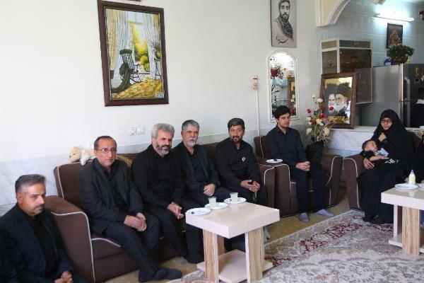 تصویر از خانواده شهید حججی نماد مقاومت و ایثار هستند