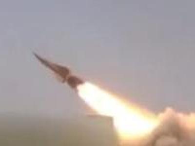 تصویر از پایگاه شبهنظامیان ائتلاف سعودی در غرب یمن، هدف شلیک ۲ موشک قرار گرفت