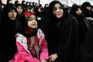 تصویر از واکنش همسر شهید رضایی نژاد به نسل کشی در میانمار+عکس