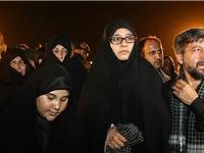 تصویر از بداهه جمعی از شاعران تقدیم به همسر شهید «محسن حججی»