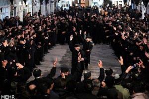 تصویر از رنگ اندوه بر چهره دیار قومس نشست/ اشک شمع در شام غریبان حسین(ع)