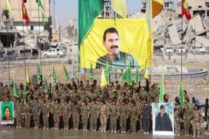 تصویر از پنتاگون نصب پوسترهای عبدالله اوجالان در رقه سوریه را محکوم کرد
