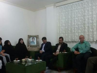 تصویر از معاون استاندار یزد: شهدای مدافع حرم، سمبل ایثار و جانفشانی هستند