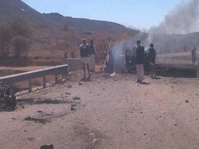 تصویر از شهید و زخمی شدن ۵ شهروند یمنی درحمله جنگندههای سعودی