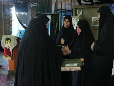 تصویر از همایش رهروان زینبی با حضور مادران شهدای مدافع حرم