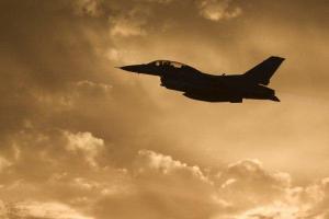 تصویر از کشته شدن ۱۲ غیرنظامی سوری در حملات ائتلاف آمریکایی به «دیرالزور»
