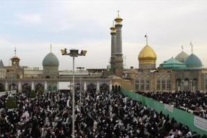 تصویر از رییس جمهور در مراسم عاشورای حسینی در حرم عبدالعظیم حضور پیدا کرد