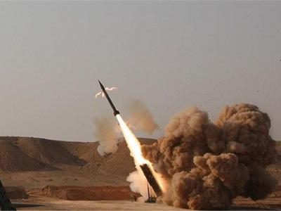 تصویر از شلیک موشک توسط ارتش یمن به مواضع مزدوران عربستان در صنعا