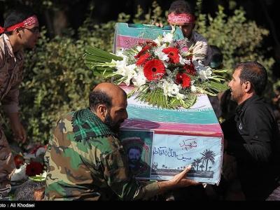 """تصویر از آئین تشییع شهید """"مرادی"""" در کرمان برگزار شد"""