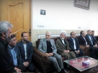تصویر از استاندار اصفهان با خانواده شهید حُججی دیدار کرد+تصاویر