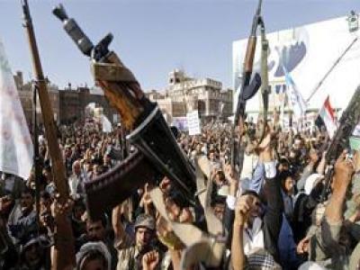تصویر از شلیک ۱۷ موشک از سوی ناوچههای سعودی به منطقهای در یمن