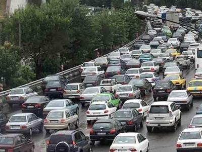 تصویر از ترافیک سنگین در ۳ بزرگراه تهران/تصادف گزارش نشده است