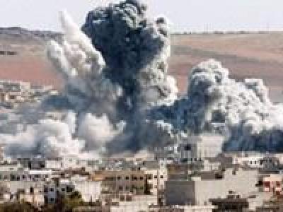 تصویر از بمباران بازاری در یمن/۵۰ نفر کشته و زخمی شدند