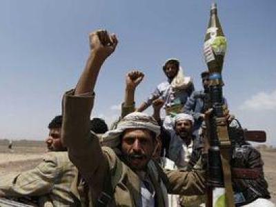تصویر از خطر از بیخ گوش نیروهای انصارالله گذشت؛ تلاش ائتلاف سعودی برای قطع ارتباط صنعاء با دنیای خارج ناکام ماند + نقشه میدانی و فیلم