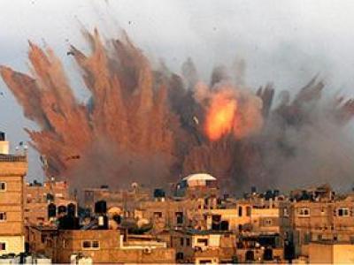 تصویر از حملات متعدد نظامین سعودی به خاک یمن/ شهادت ۱۵ یمنی در درگیری روز گذشته + فیلم