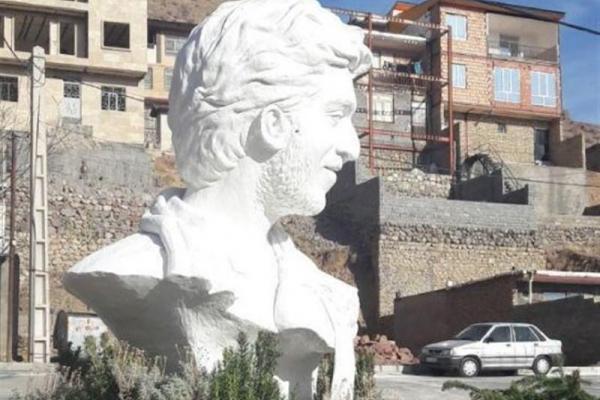 تصویر از مجسمه شهید حججی و فرجا… سلحشور در حوزه هنری خاک میخورد