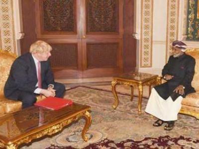 تصویر از سلطان قابوس و جانسون راههای حل سیاسی بحران یمن را بررسی کردند