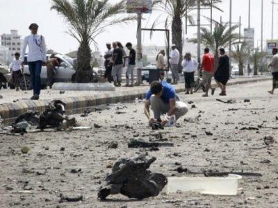 تصویر از وقوع ۲ انفجار در نزدیکی پایگاه نیروهای «منصورهادی» در جنوب عدن