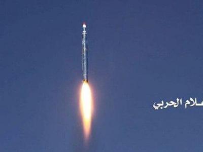 """تصویر از شلیک موشک بالستیک به پایگاه ملک فیصل در """"عسیر"""" عربستان"""